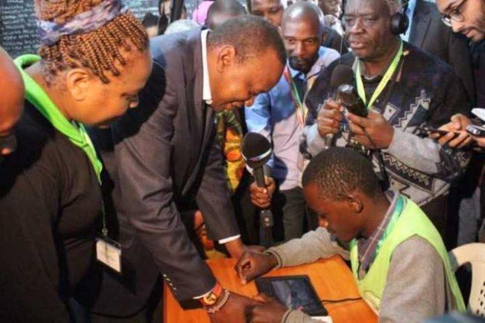 Uhuru Kenyatta voting