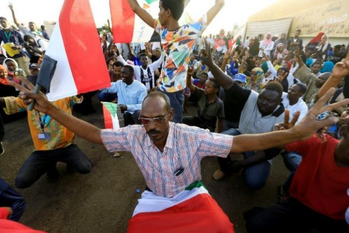 Sudan protest group breaks rank bwith military