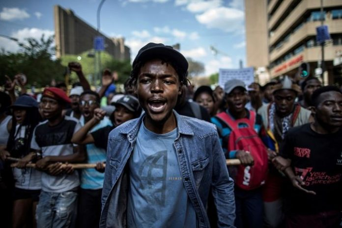 High school pupils in South Africa demand daily smoke breaks