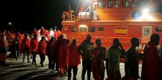 Spanish coastguard rescues 208 migrants crossing from Africa