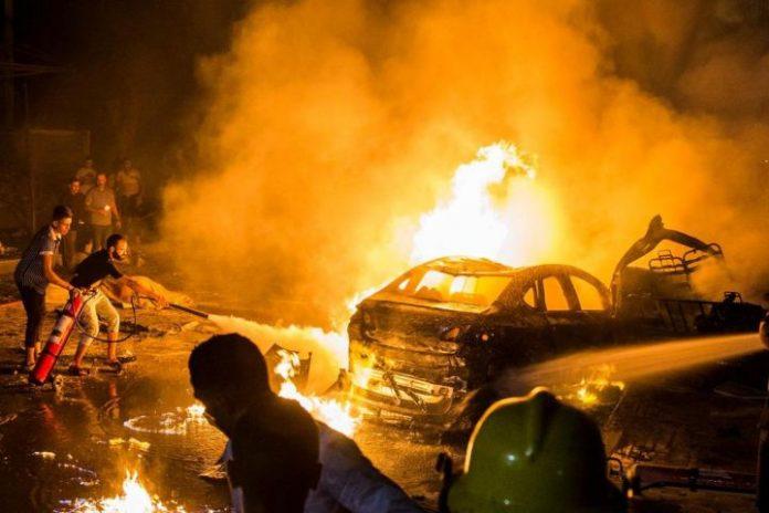 Nineteen killed in fiery Cairo car crash