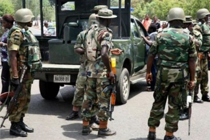 Soldiers shot and killed 3 policemen, 'free arrested kidnap kingpin'